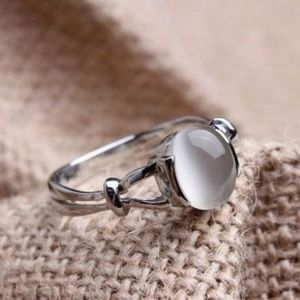 Jewelry - White Cat's Eye Ring